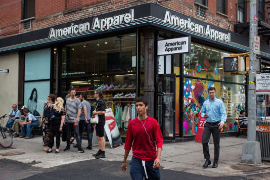 Devant un magasin American Apparel, à New York, en 2014.