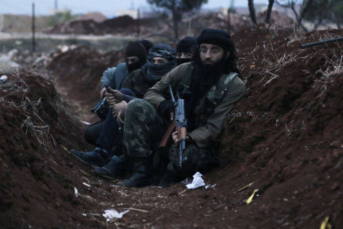 Les combattants d'Al-Nosra en Syrie n'ont pas été épargnés par les raids de la coalition (Photo: membres d'Al-Nosra, novembre 2014)