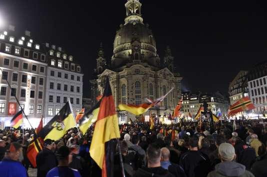 Manifestation du mouvement islamophobe Pegida à Dresde le 5 octobre.