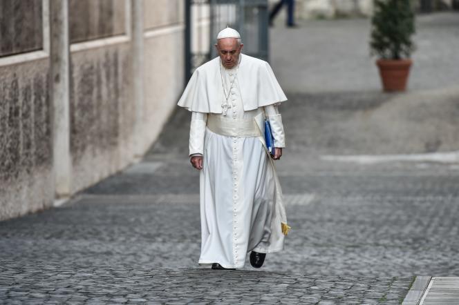 Une mise au point du pape François s'est imposée dès le matin du deuxième jour du synode sur la famille, mardi 6 octobre.