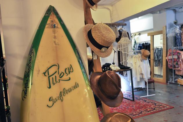 Pukas Surf Shop.