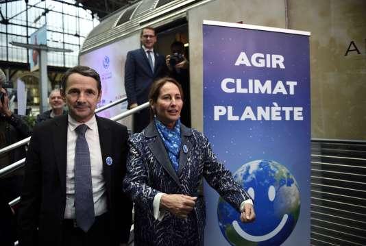 """Segolène Royal et Thierry Mandon lors de l'inauguration du """"train du climat"""" le 6 octobre 2015"""