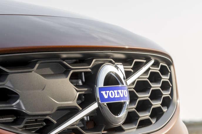 «Volvo a annoncé un abonnement pour son dernier modèle de SUV. L'offre débutera en fin d'année pour 699 euros par mois dans plusieurs pays européens – mais pas en France – et environ 800 dollars aux Etats-Unis».