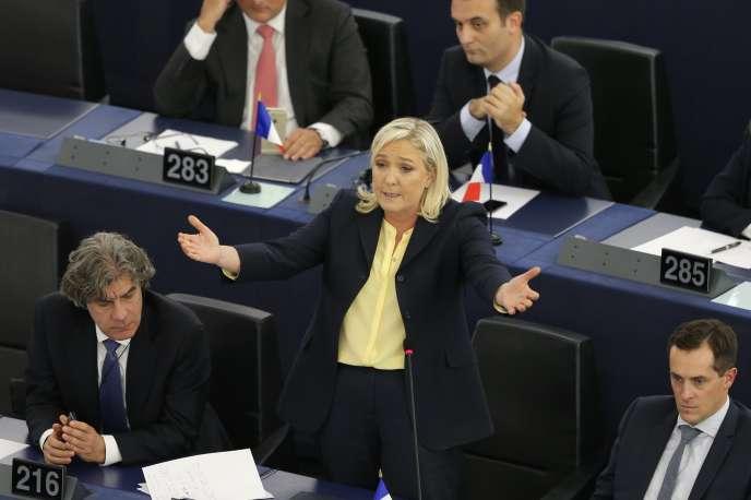 Marine Le Pen au Parlement européen, le 7 octobre 2015.