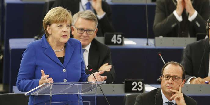 Discours de la chancelière allemande, Angela Merkel, devant le Parlement européen, mercredi 7 octobre, aux côté du président Francois Hollande.