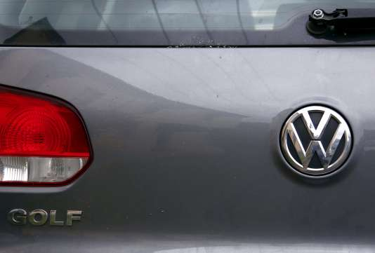 Le géant allemand est accusé d'avoir installé sur ses véhicules diesel un logiciel qui permet, lors de tests antipollution, de contourner les normes sur les émissions d'oxydes d'azote et d'autres polluants.