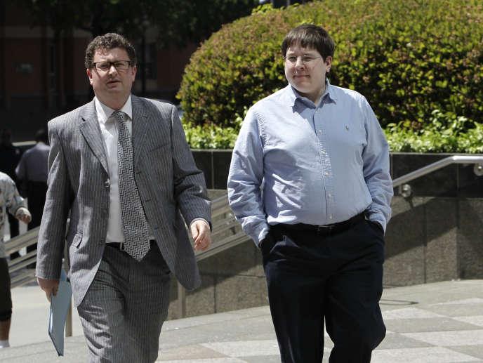 Matthew Keys, a droite, a été reconnu coupable de complicité avec Anonymous.