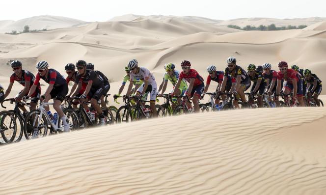 Comme le peloton du Tour d'Abou Dhabi, le cahier des charges mis en place par l'UCI et l'ISSUL est menacé d'être ensablé.