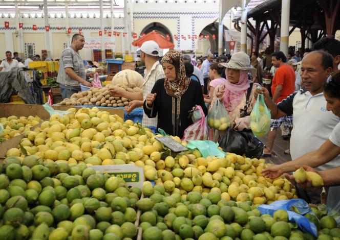 Dans un marché du centre de Tunis, en juillet 2012.