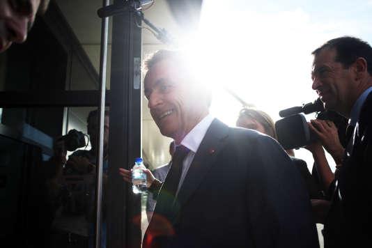 Nicolas Sarkozy en visite à Béziers dans l'entreprise Xurian, le 8 octobre.