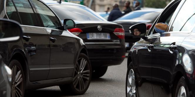Manifestation de chauffeurs Uber à Paris le 9 octobre 2015. AFP PHOTO  / Alain Jocard