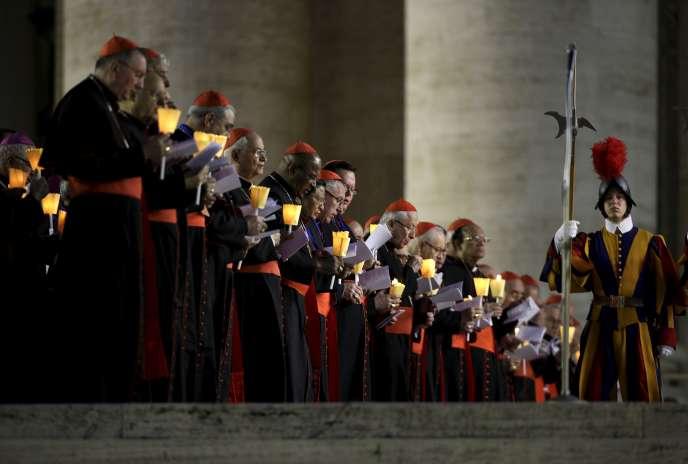 Les cardinaux lors de la messe d'ouverture du synode sur la famille au Vatican le 3 octobre 2015.