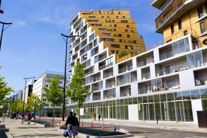 Logements sociaux dans le nouveau quartier Paris Rive gauche de la ZAC Masséna, à Paris (13e).