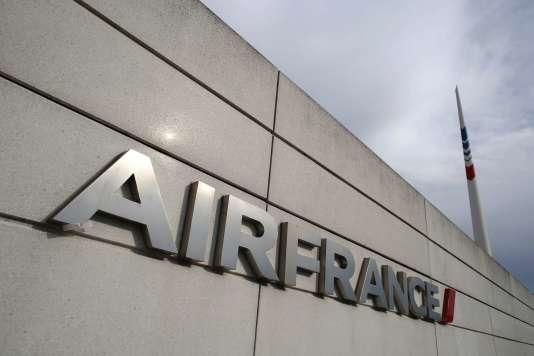 La justice a tranché, le 16 octobre, en faveur d'Air France dans le litige qui l'oppose au syndicat de pilotes majoritaire SNPL, sur la pleine application du plan de restructuration « Transform ».