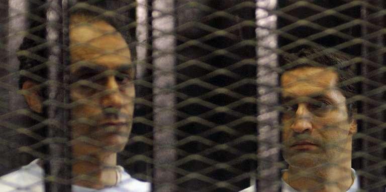 Alaa, à droite, et Gamal Moubarak, auCaire, le 12 octobre 2015.