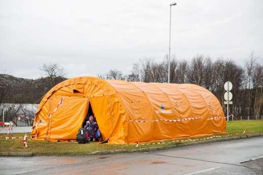 Les migrants sont accueillis dans une tente provisoire à Storskog en Norvège en octobre.