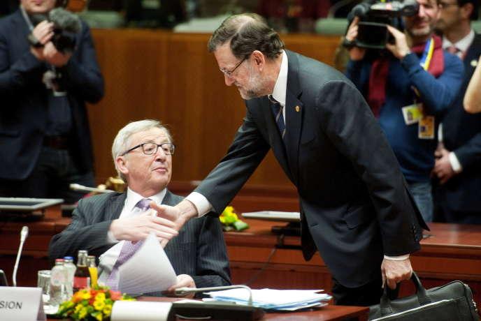 Jean-Claude Juncker, président de la Commission européenne, et Mariano Rajoy, le premier ministre espagnol, en mars, à Bruxelles.