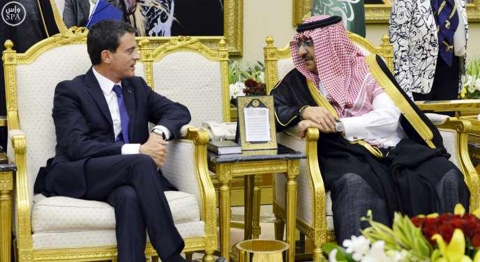Le premier ministre, Manuel Valls, lors de sa visite à Riyad, en Arabie saoudite, le 13 octobre.