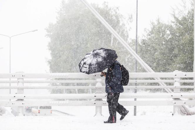 Premier jour de neige à Cracovie le 12 octobre 2015.
