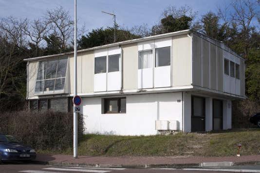 Maison expérimentale de type 8x12, boulevard Germaine-de-la-Falaise, à Royan,   dessinés par Jean Prouvé en 1951.