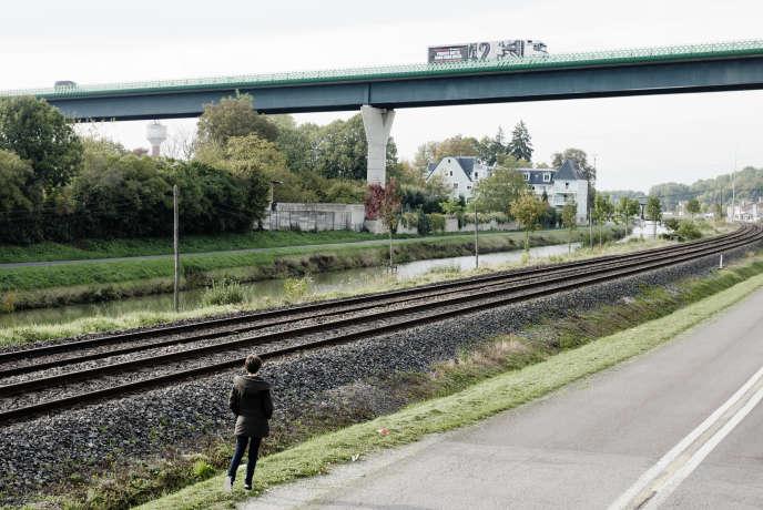 Frontiere Champagne-Ardennnes/Alsace Lorraine le lundi 12 ocotobre 2015 Près de Saint-Dizier, le canal, la voie ferrée et la nationale se rencontrent. La problématique des transports est primordiale dans cette nousvelle grande région.