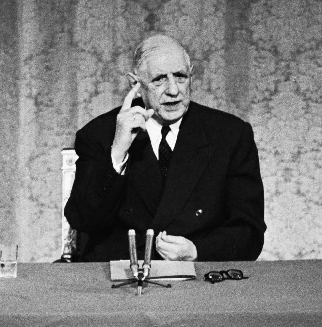 Charles de Gaulle à la télévision, le 16 mai 1968. Trois jours plus tard, iltroussera une formule emblématique de Mai-68 au conseil des ministres : « La réforme oui, lachienlit non ! »