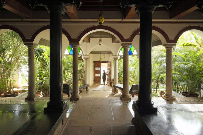 L'entrée du palais de Saratha Vilas à Kothamangalam.
