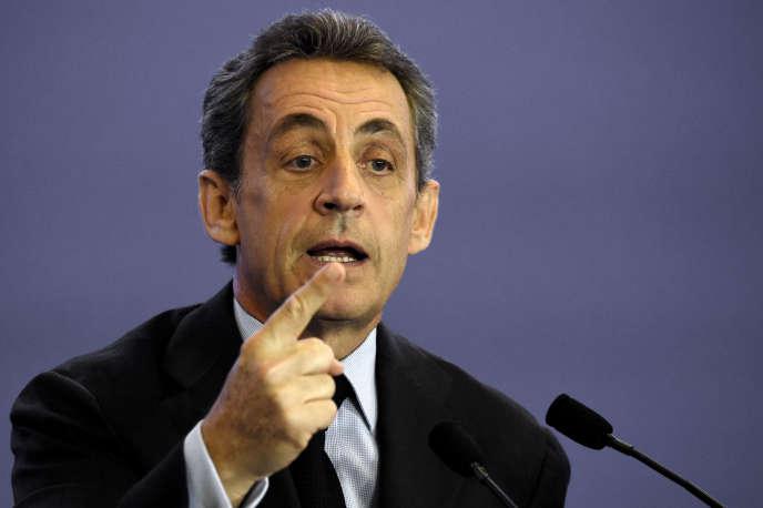 Nicolas Sarkozy adénoncé, le 6 octobre, «la chienlit, ledélitement de l'Etat» après les incidents au sein d'Air France.
