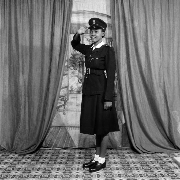 Selina Opong, Policewoman #10. Ever Young Studio, Accra, vers 1954. Courtesy Autograph ABP