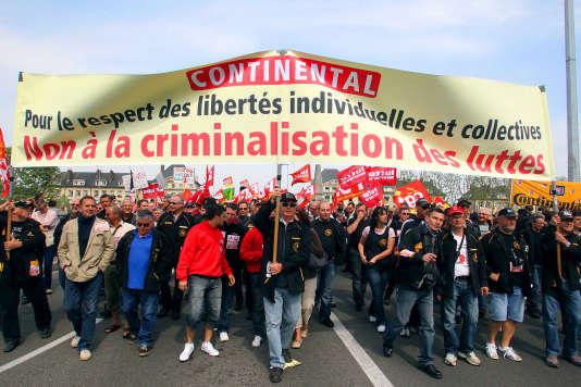 Manifestation de soutien au délégué CGT de Continental Xavier Mathieu en mai 2011.