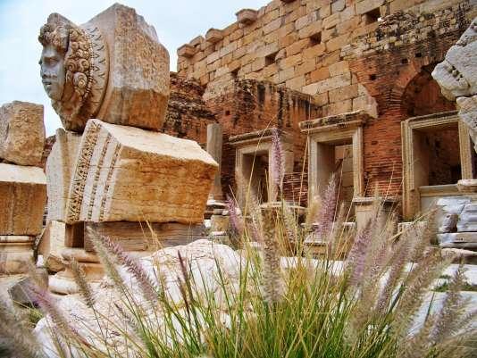 Gros plan sur une Gorgone à Leptis Magna en Tripolitaine, en 2009.