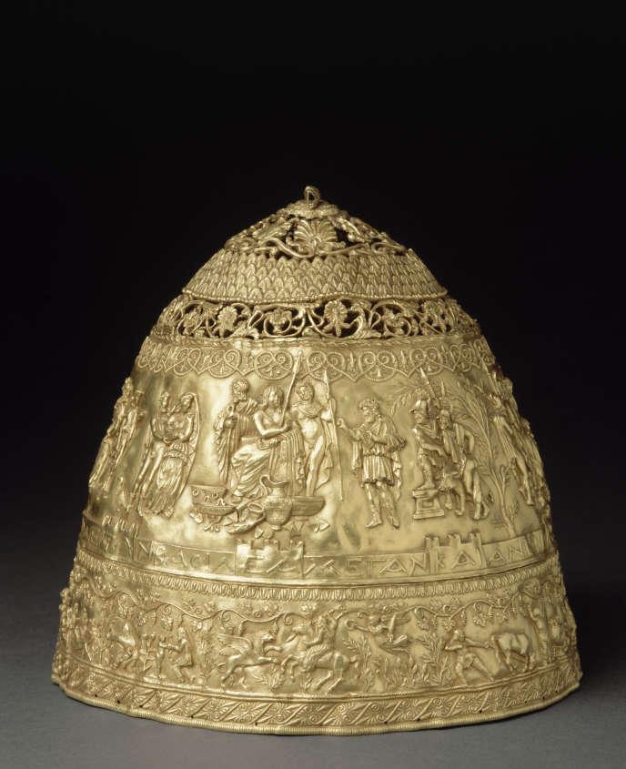 La fausse tiare du roi scythe Saïtapharnès, acquise par le Louvre en1896.