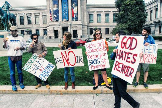 Manifestation anti-Renoir devant le Musée des beaux-arts de Boston, le 6 octobre.