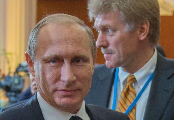 Le président Vladimir Poutine et le porte-parole du Kremlin, Dmiti Peskov,  à Astana, en octobre 2015.