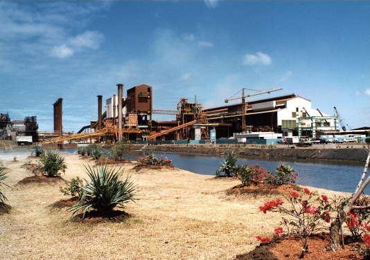 L'usine SLN de traitement de nickel de Doniambo et appartenant au groupe français Eramet, ici en 1997.
