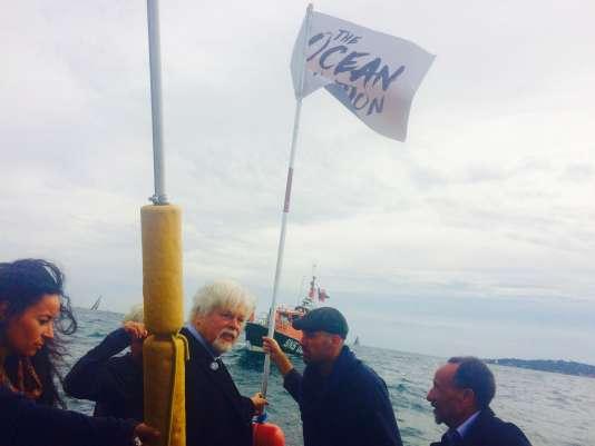 Les fondateurs de la Nation de l'océan (Paul Watson, Olivier Dubuquoy et Pierre Rhabi) en octobre 2015.