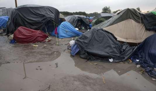 "Des tentes dans la ""jungle"" de Calais, le 16 octobre 2015."