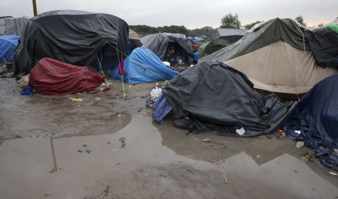 Des tentes dans la