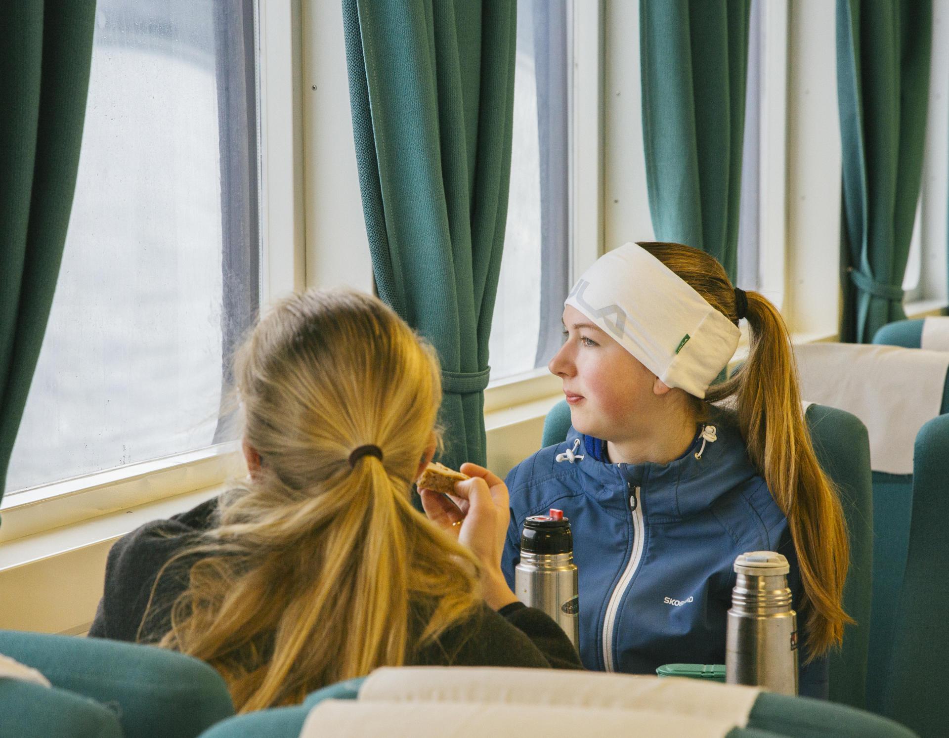 On coupe le cercle polaire à bord du ferry qui relie Kilboghamn à Jektvik.