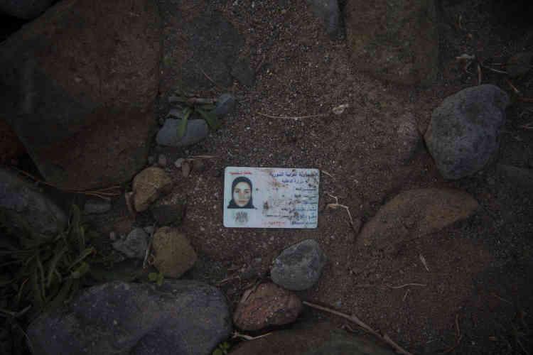 Une carte d'identité syrienne, près de Molyvos, le 4 octobre.