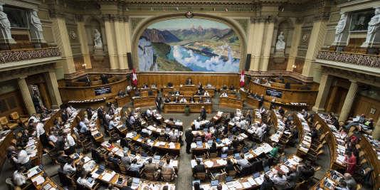 Les Suisses votent dimanche pour renouveler leur Parlement.