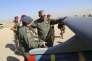 Le ministre irakien de la défense, Khaled Al-Obaidi, inspecte un drone sur la base aérienne de Kut (sud-est de Badgad), le 10 octobre.