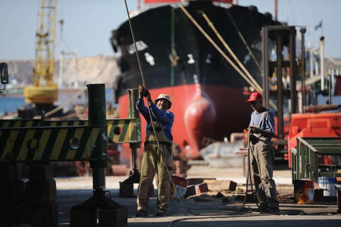 Sur le chantier naval de Perama, près d'Athènes.