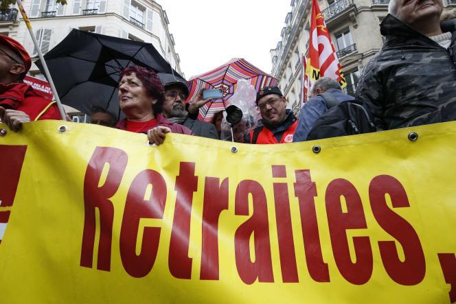 Manifestation devant les locaux du Medef à Paris, le 16 octobre.