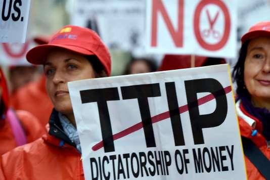 Manifestation contre l'accord de libre-échange Tafta à Bruxelles, le 17 octobre.