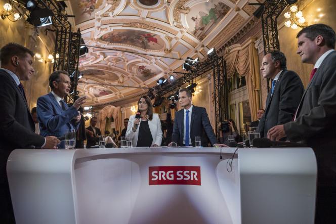 Un débat télévisé entre les chefs des principaux partis suisses, au Parlement le 18 octobre.
