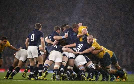Mêlée entre les Wallabies et les Ecossais, en quart de finale du Mondial de rugby, le 18 octobre à Twickenham.