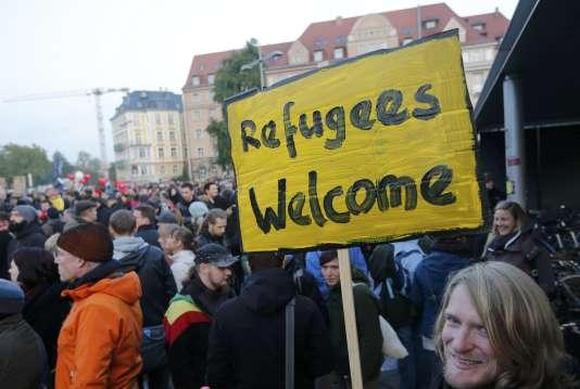 Des opposants à Pegida à Dresde le 19 octobre.