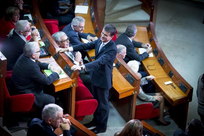 Le premier ministre Manuel Valls participe à la 4e conférence sociale pour l'emploi au Palais d'Iena à Paris, le lund 19 octobre 2015 - 2014©Jean-Claude Coutausse / Divergence pour Le Monde