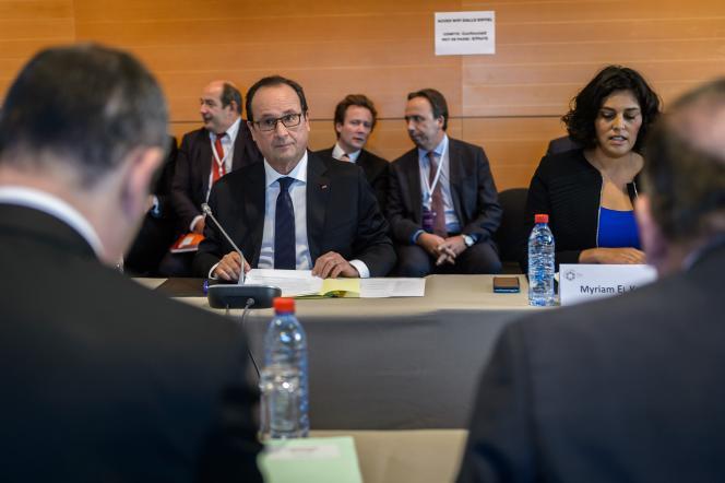 Le président Francois Hollande and et la ministre du travail Myriam el Khomry, 19 octobre 2015. AFP PHOTO / POOL / CHRISTOPHE PETIT TESSON